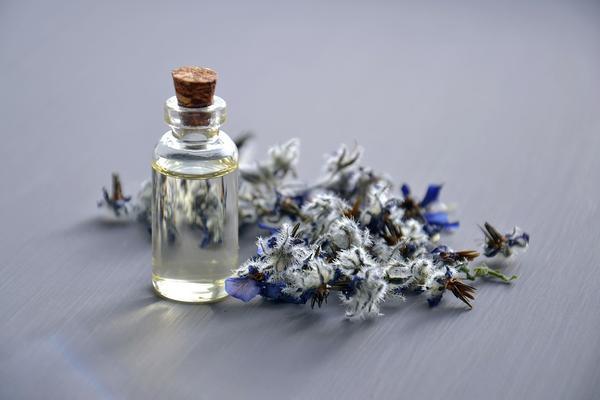 olejek do masażu przeciw rozstępom